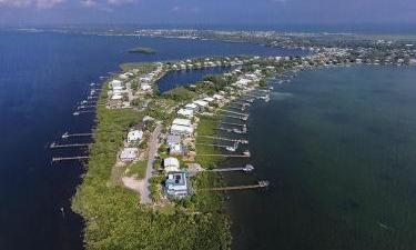 63 N Bounty  Lane, Key Largo, Florida
